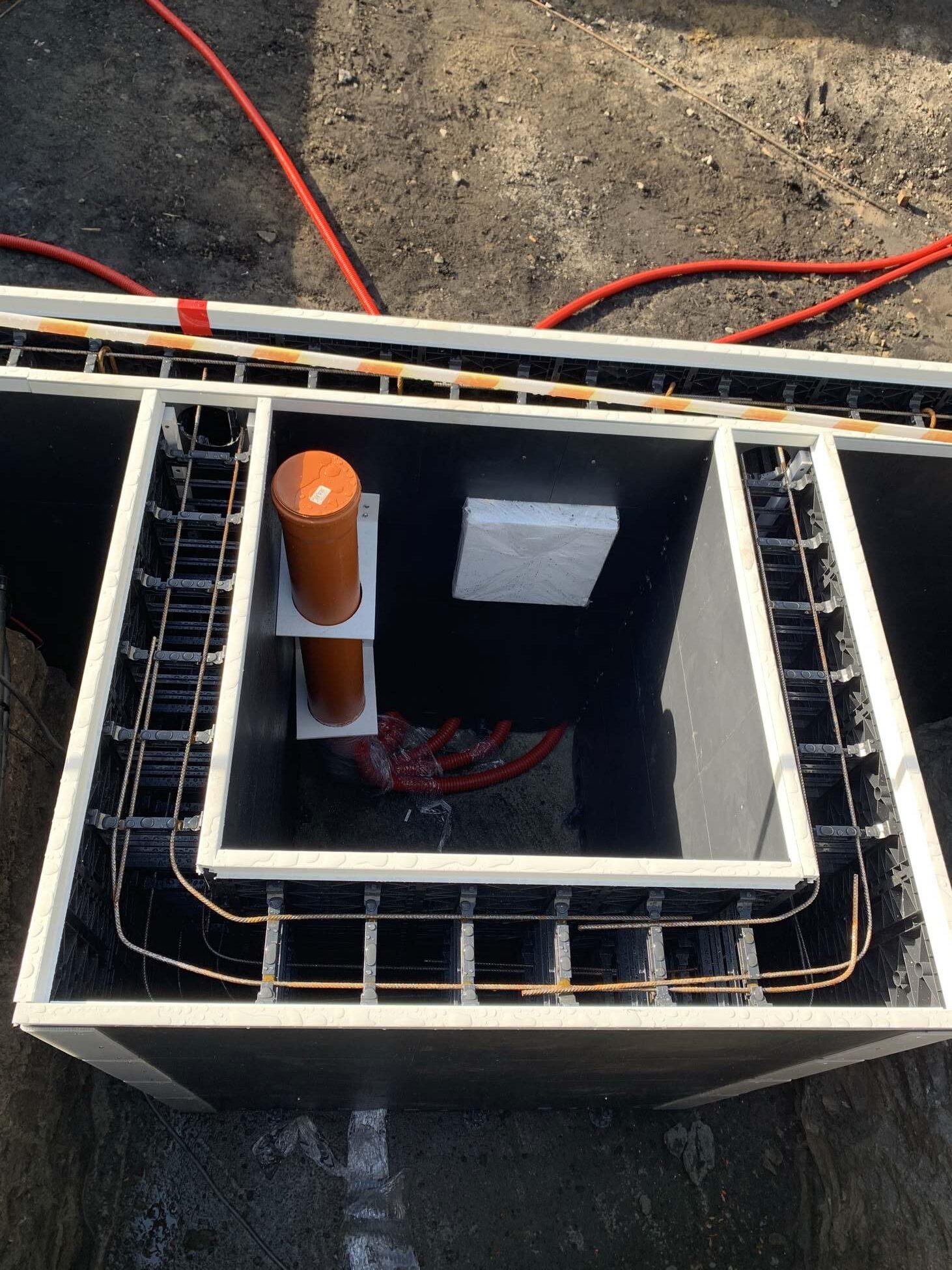 Kolektor odsysania powietrza dla montażu linera